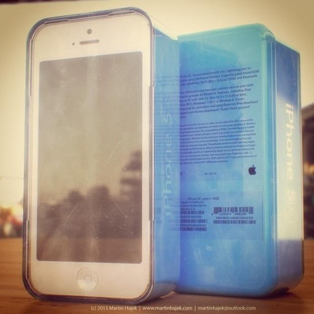 Концепт упаковки iPhone 5C