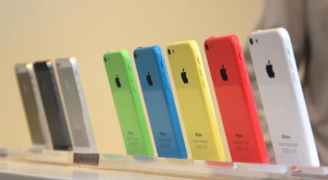 Австралийские пользователи возмущены ценами на iPhone 5c и iPhone 5s
