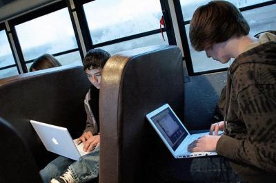 Бесплатный Wi-Fi станет доступен в автобусах и трамваях Москвы