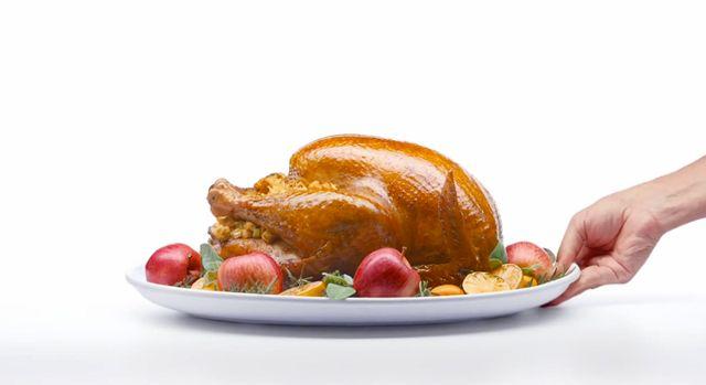 Многие розничные магазины компании Apple в США будут открыты в День Благодарения