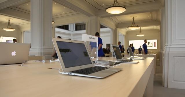 1 января ограбили голландский Apple Store