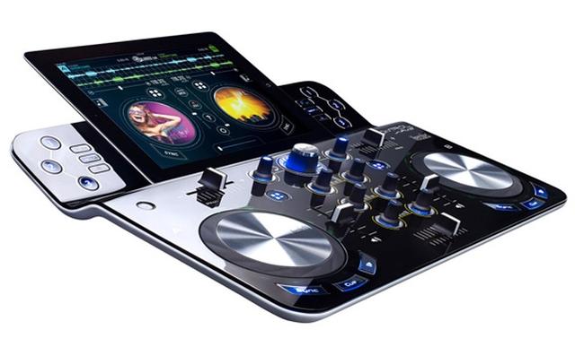 DJControlWave — беспроводной микшерный пульт для iPad