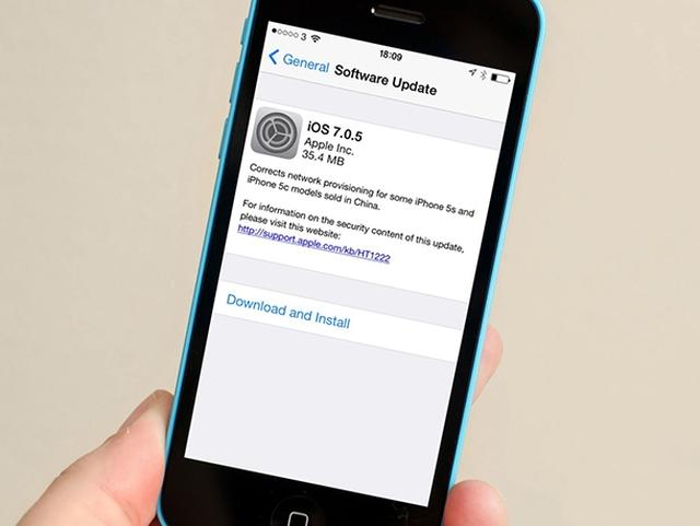 Джейлбрейк-разработчики не рекомендуют обновляться до iOS 7.0.5