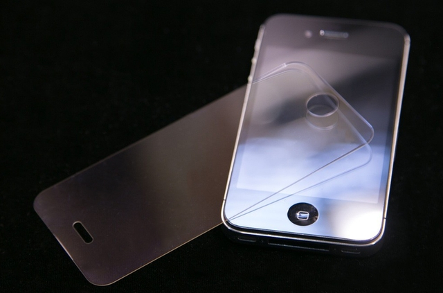 Foxconn приступила к производству сапфировых iPhone