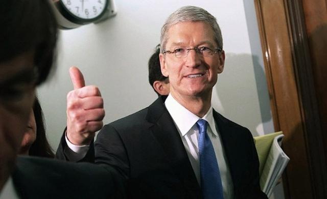 Apple пожертвовала на помощь бедным $500 000