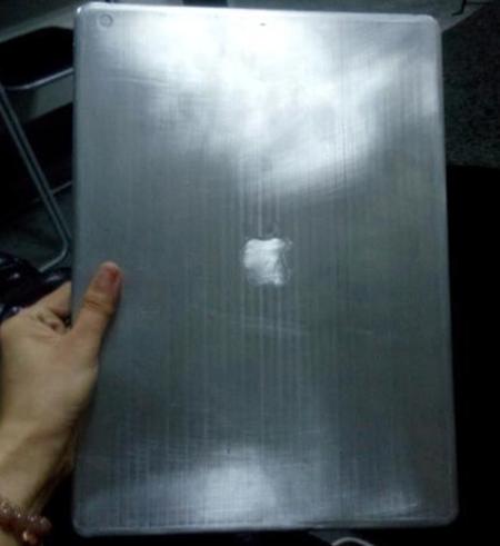 Первое фото производственного прототипа iPad Pro