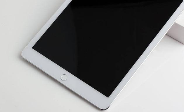 Обновлённый iPad Air на фото