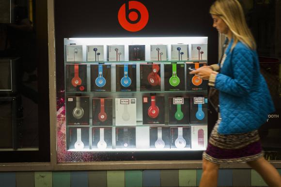 Антимонопольная комиссия проверит сделку Apple и Beats