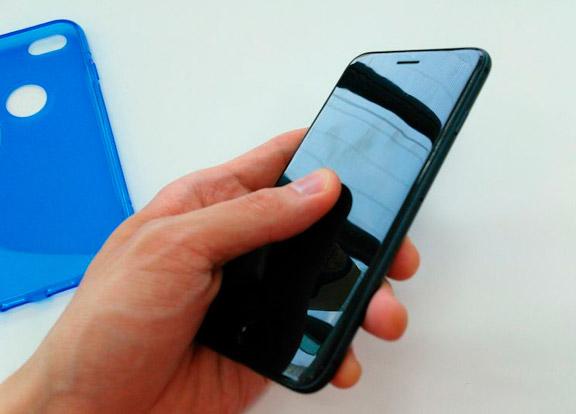 iPhone 6 в тёмно-сером корпусе засветился на фото
