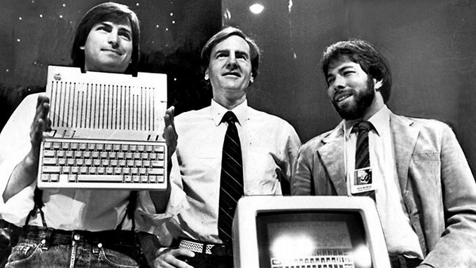 Стив Возняк рассказал о нежелание команды Macintosh работать с Джобсом