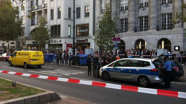 В Берлине в первый день продаж ограбили Apple Store