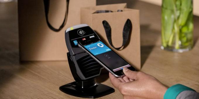 Apple будет собирать комиссию за использования Apple Pay