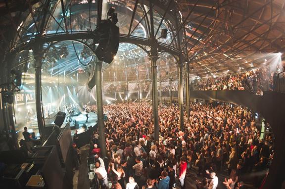 Фото с фестиваля iTunes Festival в Британии