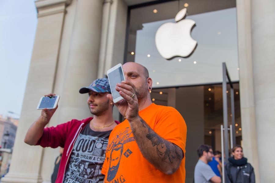 Тим Кук доволен: Apple вновь стала самым дорогим брендом мира