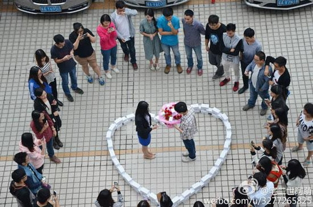 Китаец ради предложения руки и сердца купил почти сотню iPhone 6