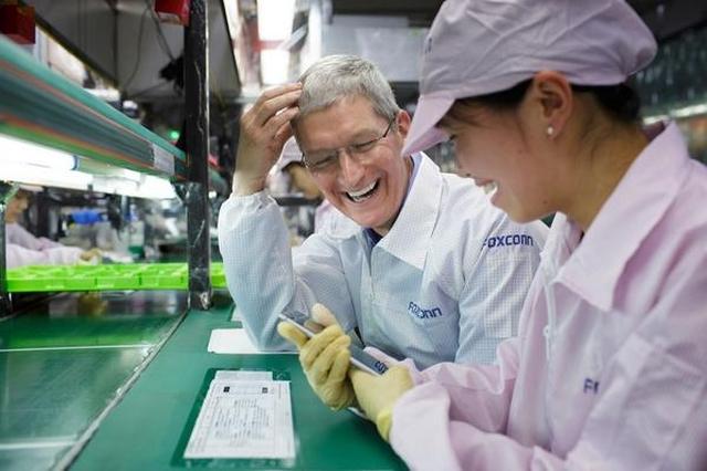 Foxconn начал разработку стеклянного корпуса и OLED дисплея для десятилетнего юбилейного выхода iPhone