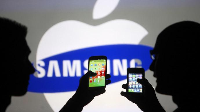 Apple продала столько же смартфонов, сколько и Samsung