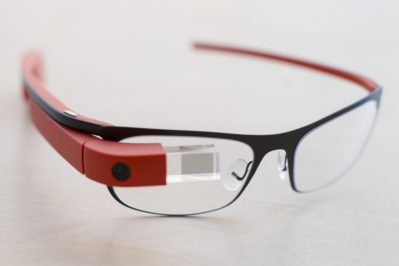 Второе поколение Google Glass практически готово