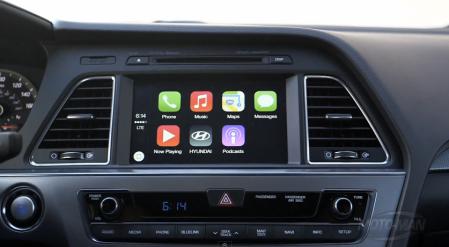 Apple переманила к себе сотрудника Mercedes-Benz