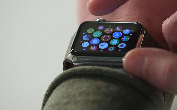 Apple Watch не будет в магазинах до конца мая