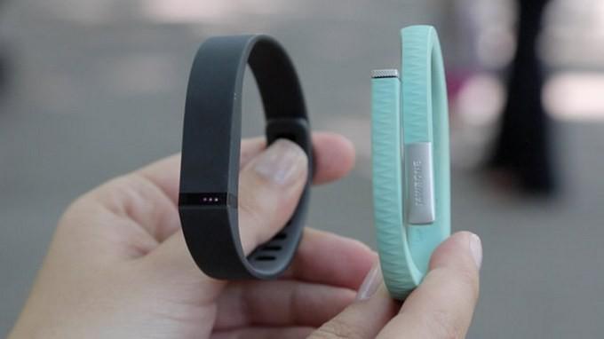 Jawbone подал в суд на Fitbit