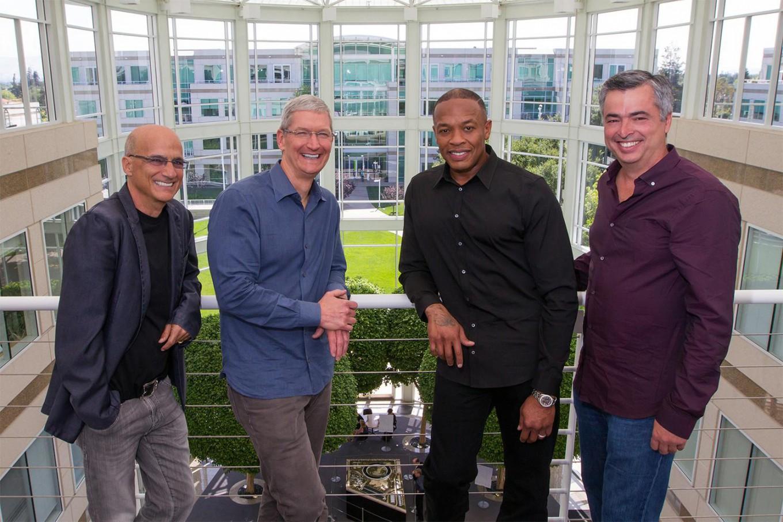 Apple будет бороться с бесплатным стримингом музыки