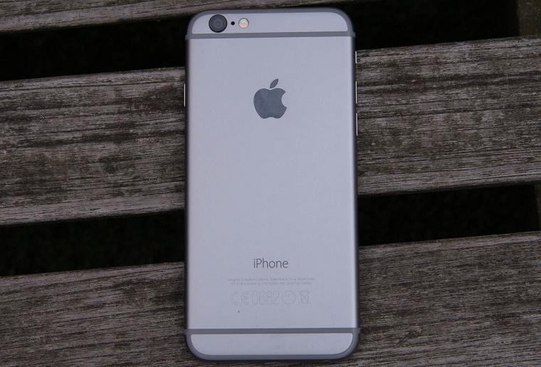 В будущем на корпусе iPhone не будет пластика