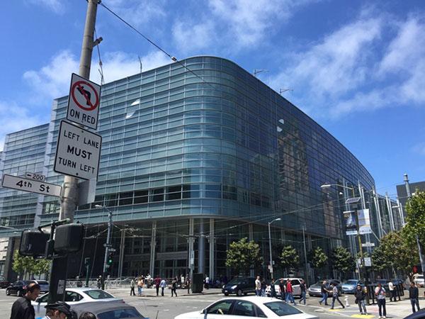 В Moscone Center готовятся к WWDC 2015