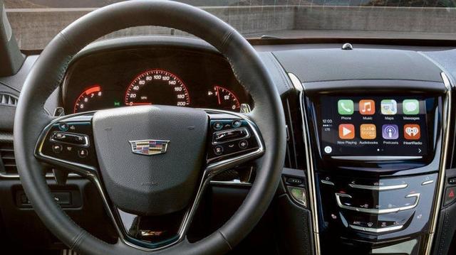 Автомобили Cadillac получат CarPlay