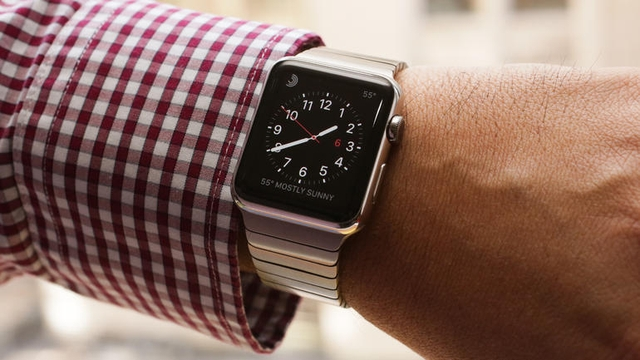 Apple уже продала 7 млн Apple Watch