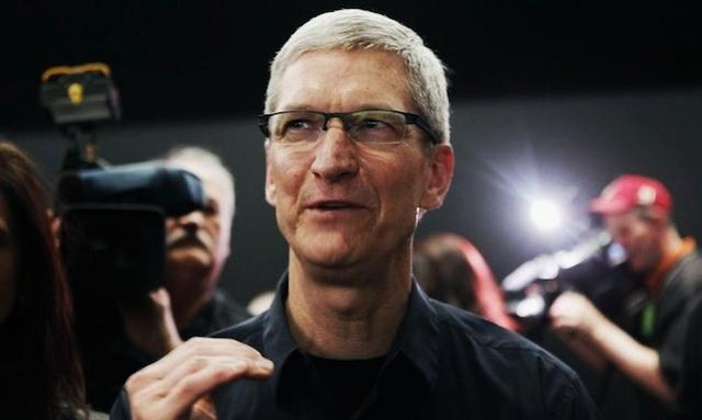 Тим Кук пожертвовал крупный пакет акций Apple на благотворительность