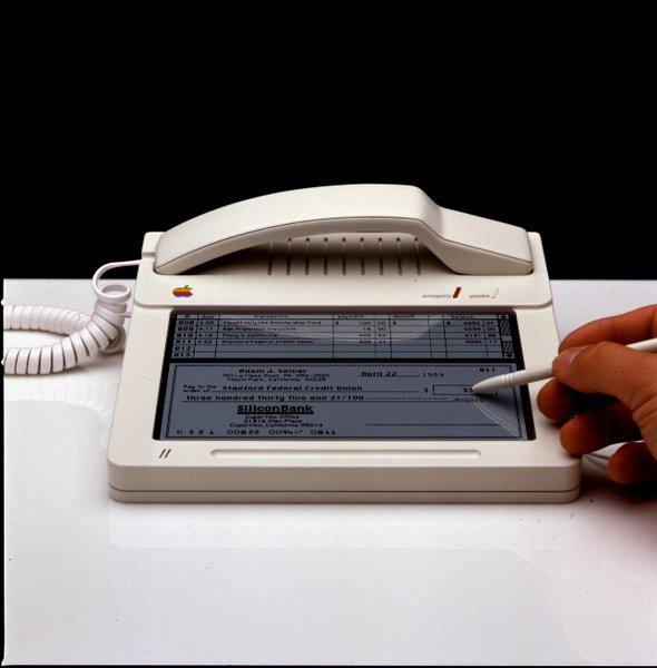 Джобс планировал выпустить Macintosh Phone