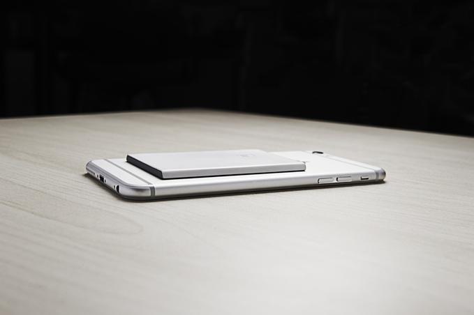 iPhone можно сделать двухсимочным с помощью краудфандинга