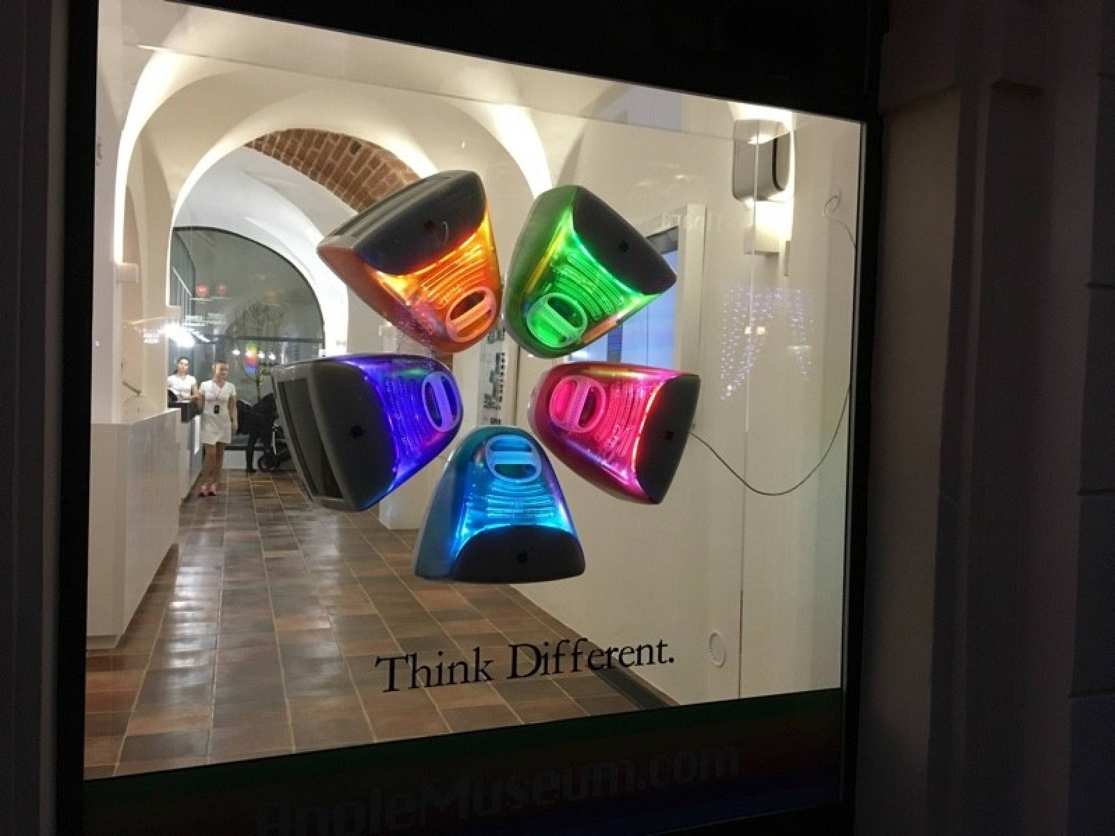 В Праге открылся музей Apple