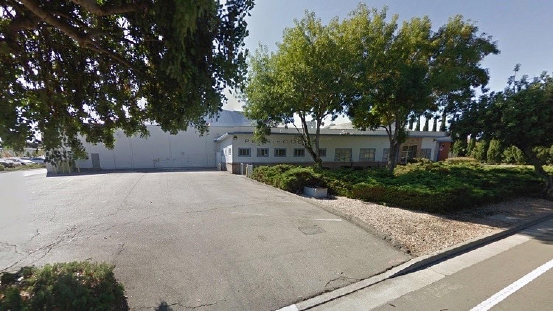 Apple арендует промышленное здание в Саннивейл, штат Калифорния