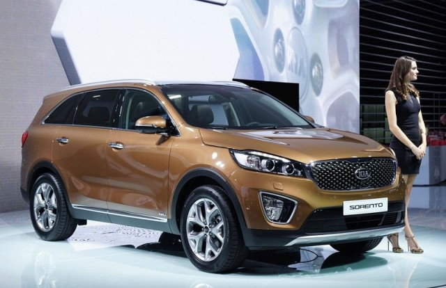 Kia анонсировала автомобили 2017 Sorento и Sportage с поддержкой CarPlay
