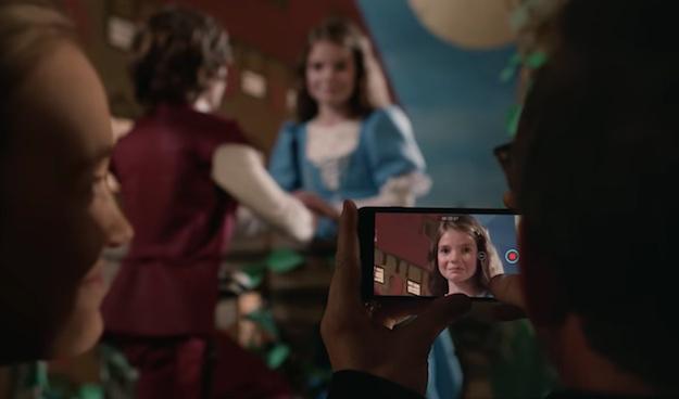 Apple разместила новый рекламный ролик 'Ромео и Джульетта'