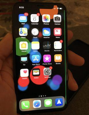 Владельцы iPhone X сталкиваются с зеленой линией на дисплее
