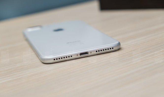 Apple рассмотрела вопрос об удалении Lightning разъема с iPhone X