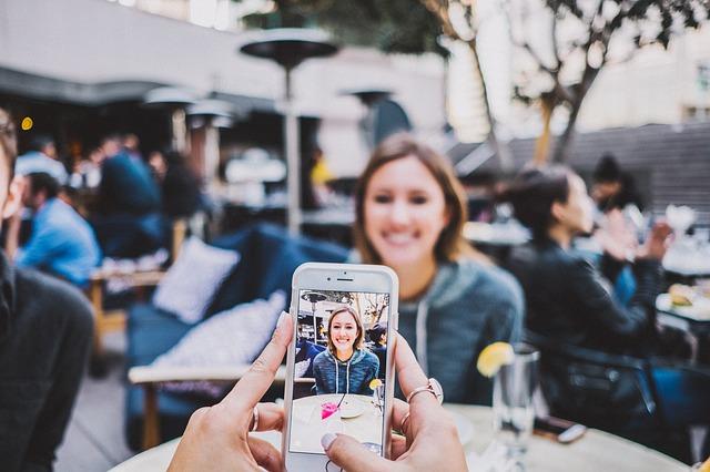 Как скопировать все фото с iPhone