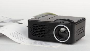 Обзор проектора Rombica Ray L300 [видео]