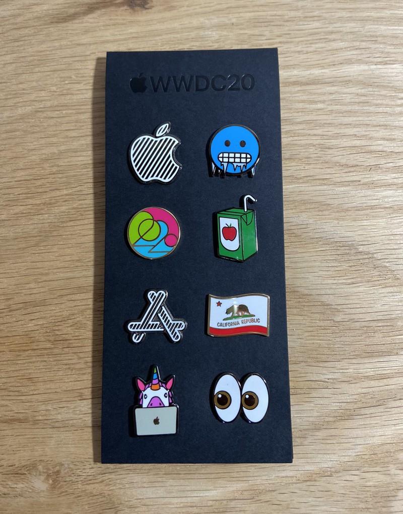 Победители конкурса «Swift-студент» делятся фотографиями куртки и значка WWDC20